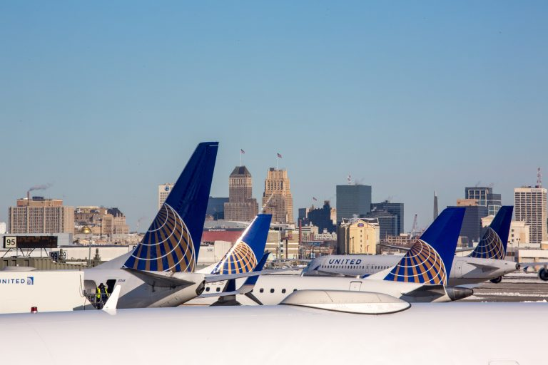 United Airlines awards Newrest major contract at Houston