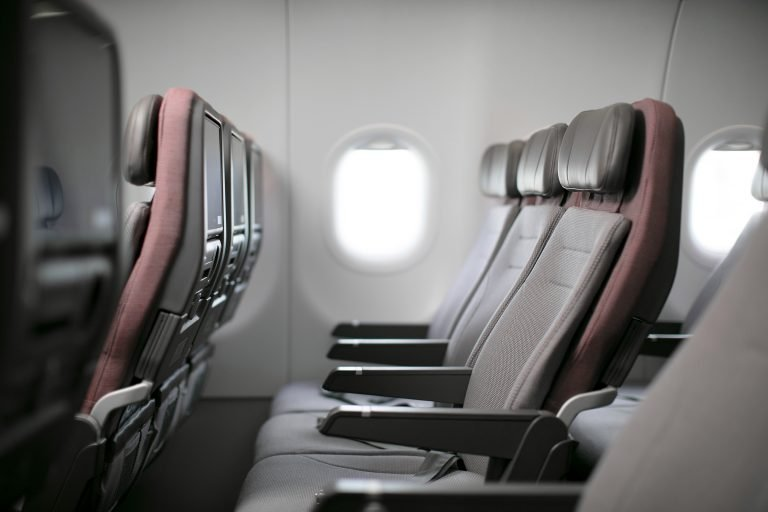 Cathay Pacific selects HAECO Vector Economy seats